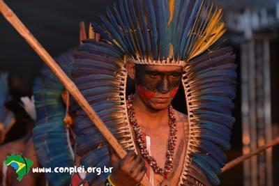 Povos indígenas no Brasil: uma tarefa inacabada