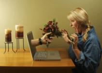 Evangélicos adultos carentes de amor no grupo de risco dos relacionamentos na internet!