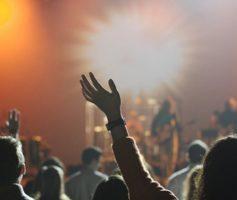 Contrastes na adoração da Antiga e Nova Aliança